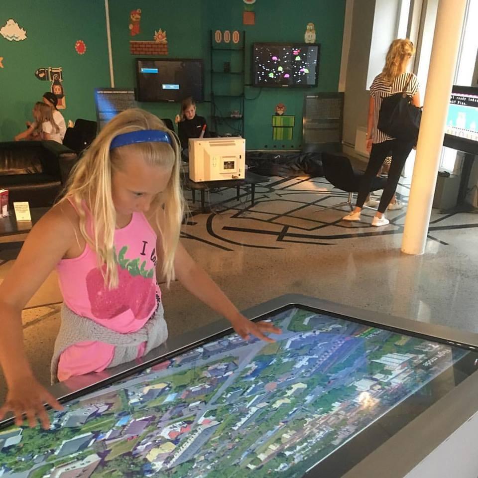 Bring Your Brain & Passion på Visualiseringscenter C i Norrköping – tjejer löser vardagsproblem med teknisk innovation