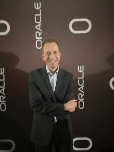Oracles molnsatsningar ändrar om partnerledet 3