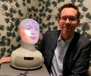 Vision första fackförbund att rekrytera med AI-robot 2