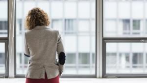 Ny branschstudie: 1 av 10 unga kvinnor utsatta för kränkande särbehandling 3