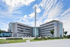 SAP fremrykker mål om CO2-neutralitet til 2023