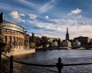 Stockholms stad implementerar ny AI-lösning för energioptimering av byggnader i samarbete med Schneider Electric och Myrspoven