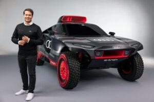 Audi RS Q e tron og Julius Seebach adm direktor for Audi Sport