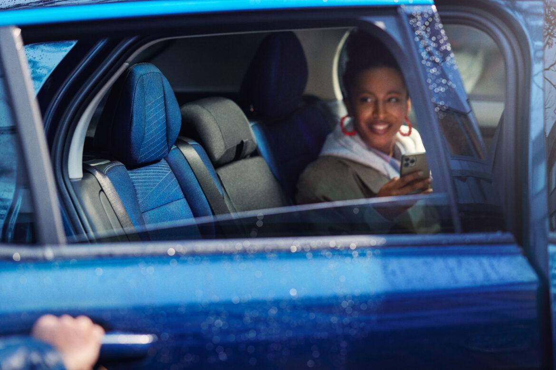 Lynk & Co revolutionerar bilindustrin med uppkopplade bilar som använder IoT-anslutning från Orange Business Services