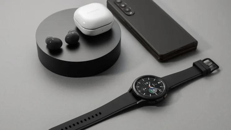 Samsungs nya Galaxy Z fold-serie, Galaxy Watch 4-serie och Galaxy Buds2 nu tillgängliga i butik